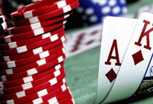 Hướng dẫn cách phán đoán bài Blackjack nên rút tiếp hay dừng lại?